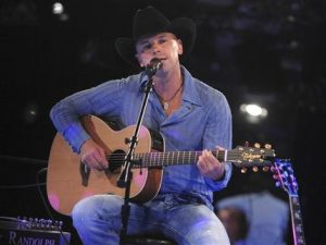 Kenny Chesney wins CMA's Entertainer of the Year