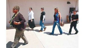 Mesa district fights exodus to charters