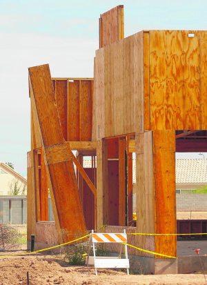 Neighbor: Abandoned Gilbert project a hazard
