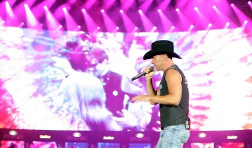 Chesney's tour brings 'Stadium Country' to town