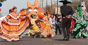 Fiesta Bowl Parade celebrates Arizona history