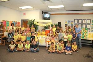 Jeff Bridges visits Zaharis Elementary School