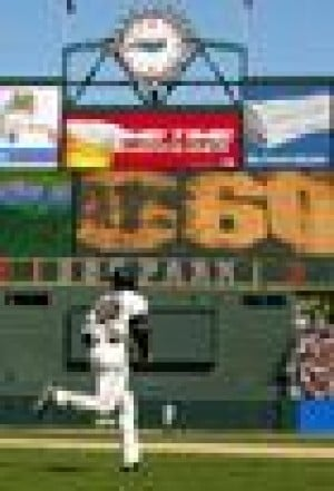 Bonds ties Willie Mays with 660th home run