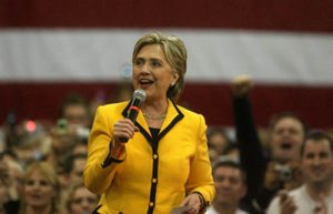 Hillary Clinton visits the Valley