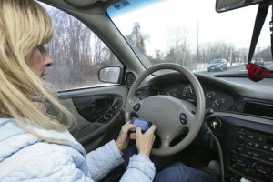 Texting while driving ban fails in Senate