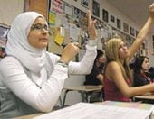 Muslim students balance religion, American lifestyle 