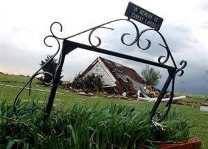 Tornadoes rake Oklahoma as Midwest tallies damage