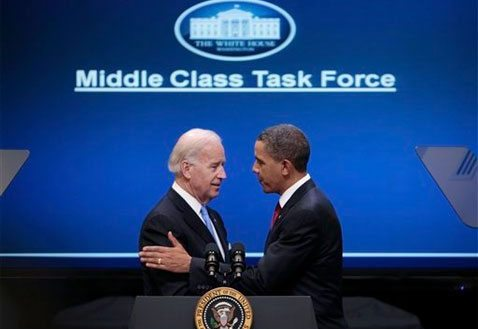 Obama announces initiatives for middle class