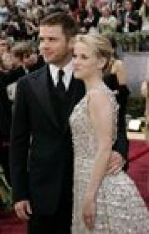 Reese Witherspoon files for divorce