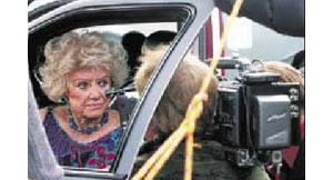 Phyllis Diller draws fans in Mesa
