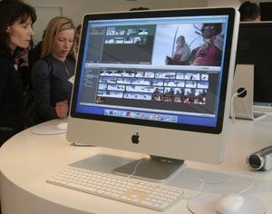 Apple unveils new iMacs with glossy screens