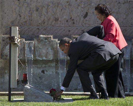 Barack Obama, Helen F. Chavez