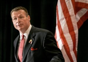Hayworth defines race as tea party vs. D.C.