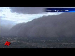 Raw Video: Massive Dust Storm Strikes Phoenix