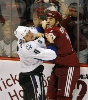 Lecavalier leads Lightning to 4-1 win over Coyotes