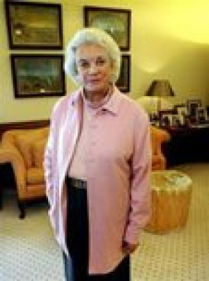 Sandra Day O'Connor to make Gilbert visit