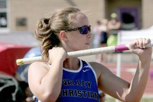 Blind pole vaulter with a vision