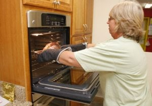Homeless shelter's kitchen caters to families