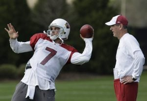 Leinart accepts role with grace