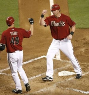 Dunn's first Arizona homer powers Diamondbacks