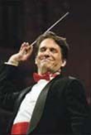 Lockhart prepares a concert for Mesa