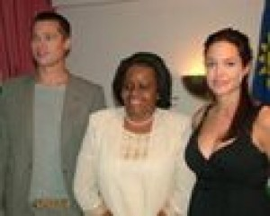 Jolie: Birth experience was 'terrifying'