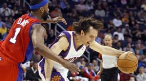 Lopez leads hot Suns past Clippers
