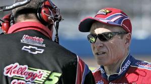 Martin claims 3rd pole of season