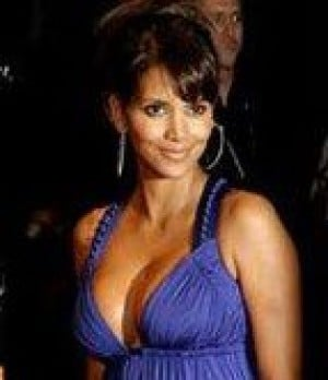 Halle Berry apologizes for joke on Leno