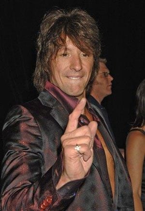 Sambora enters L.A. treatment facility