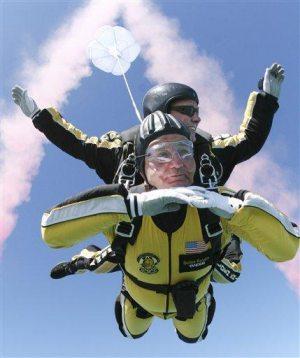 No joke: Bill Murray leaps 13,000 feet to beach