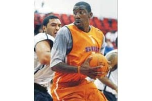 Knee problems continue to slow Stoudemire