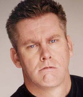 Comic Brian Regan keeps it clean, even at larger shows