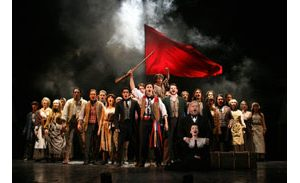 Good news from the old barricade: Aging 'Les Miz' still compelling