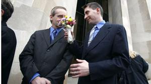 Same-sex couples begin tying knot in Iowa