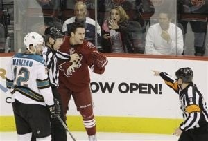 Marleau's 2 goals lift Sharks over Coyotes