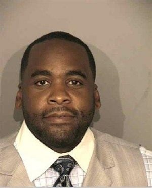 Detroit mayor charged with 2 felony assault counts