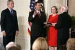 Roberts takes oath as chief justice 