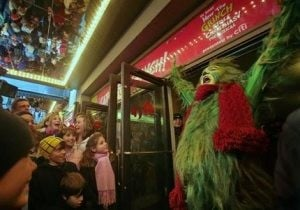 Curtain goes up for Broadway's 'Grinch'