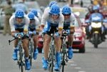 Armstrong takes Tour de France lead