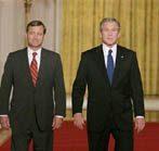 Bush nominates Roberts for chief justice