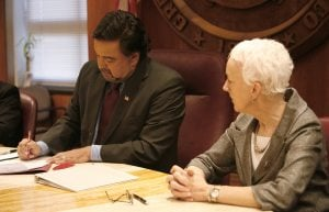 N.M. gov. signs bill banning death penalty