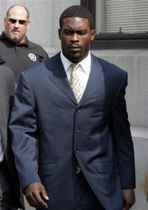 Vick leaves prison for home confinement