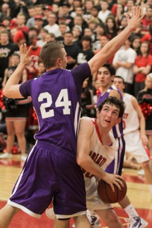 Sunrise's seniors keep north Peoria crown away from Liberty