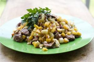 Food-Deadline-Beef and Mango Salad