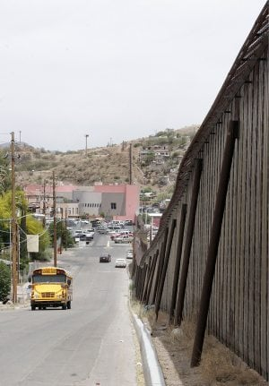 Violence across border frightens Nogales residents