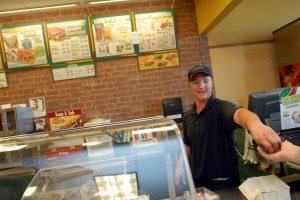 More diners downsize to fast-food restaurants