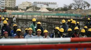 Amid the global economic crisis, China rises