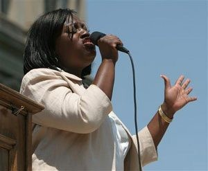 Michigan's `Idol' sings at state Capitol