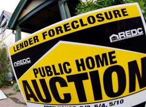 Foreclosures hitting more prime borrowers